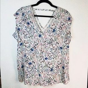 DR2 White Floral V Neck Top Sz L
